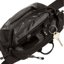 Load image into Gallery viewer, Eagle Creek Wayfinder Waist Pack (Black/Charcoal)