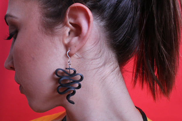 chic made consciously eco friendly twist earrings made from repurposed tire inner tubes
