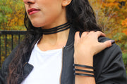 eco-friendly-classic-choker-made-from-tire-inner-tubes