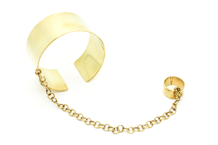 chic-made-consciously-eco-friendly-brass-chain-bracelet-made-from-war-remnants