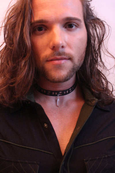 Choker with droplets