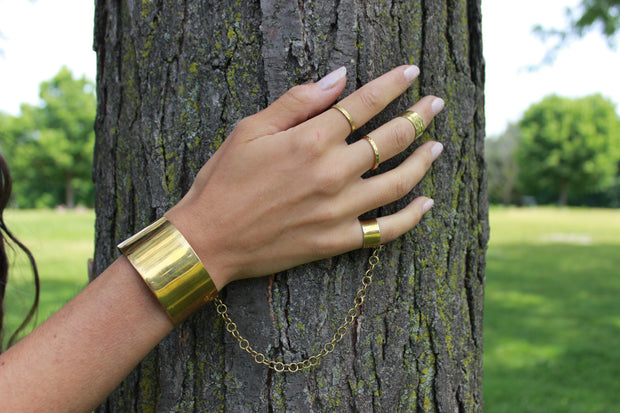 chic-made-consciously-eco-friendly-martina-bracelet-made-from-war-remnants