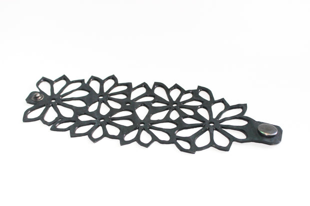 chic made consciously sustainable flower bracelet handmade in Bali