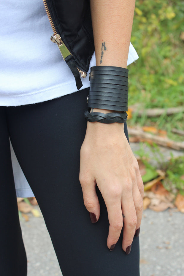 chic-made-consciously-handmade-sustainable-bracelet-made-from-tire-inner-tubes