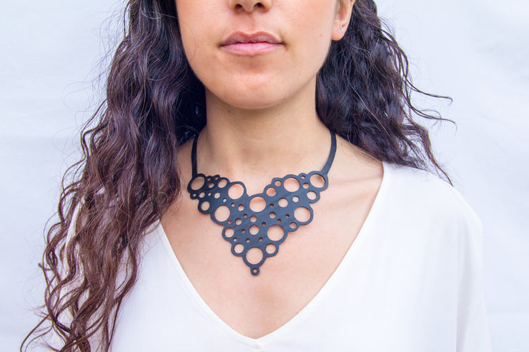 eco-friendly-handmade-necklace-made-from-tire-inner-tubes