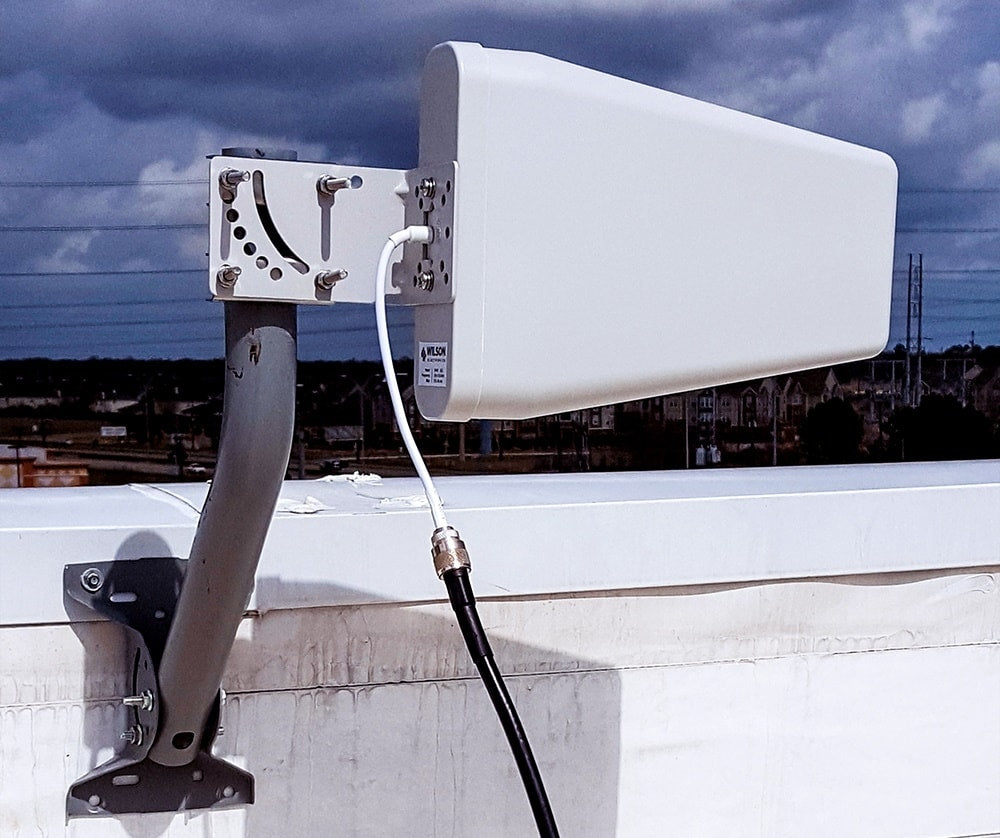 Outside Donor Antenna Aimed Towards Direction Of Max Incoming Signal.