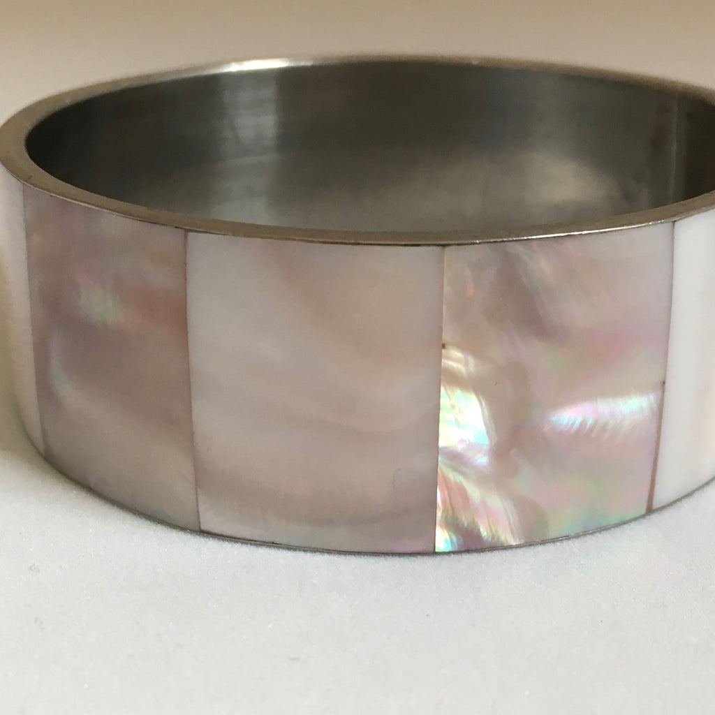Feather Pink Pearl Bangle