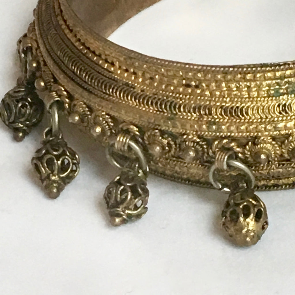 Metal Bollywood Swing Bead | Gold Bangle