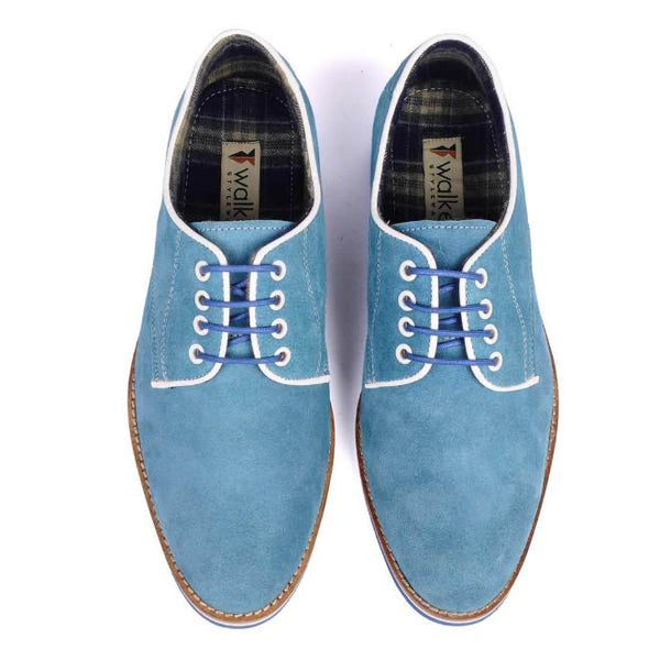 A top view of pair of men's derby casual shoes for broad feet made with blue suede leather