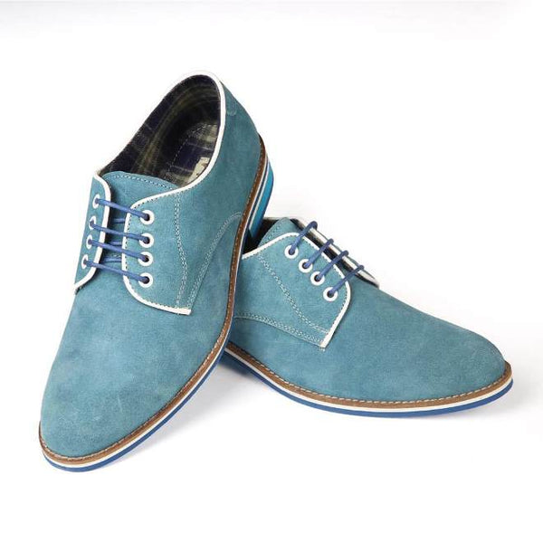A front view of pair of men's derby casual shoes for broad feet made with blue suede leather