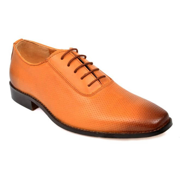 A side view of men's oxford wide width shoes made with tan leather