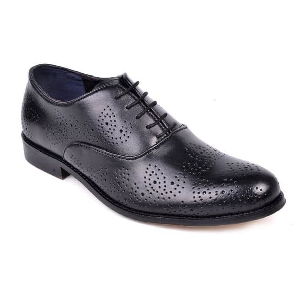 A side view of men's oxford brogue xxw width shoes made with black leather