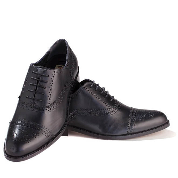 A front view of men's customize cap toe oxford brogue shoes made with black leather