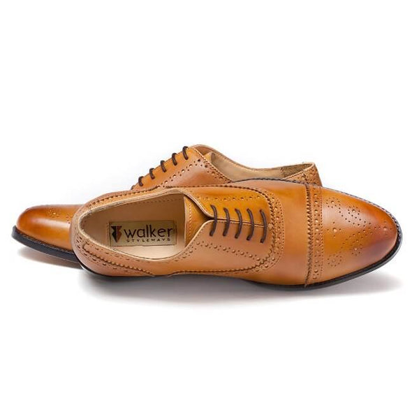 A top view of men's customize cap toe oxford brogue shoes made with tan leather