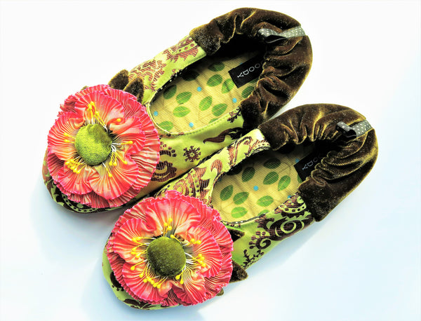 GOODY GOODY SLIPPERS: GRANDIOSE