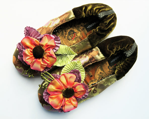 GOODY GOODY SLIPPERS: LOLA