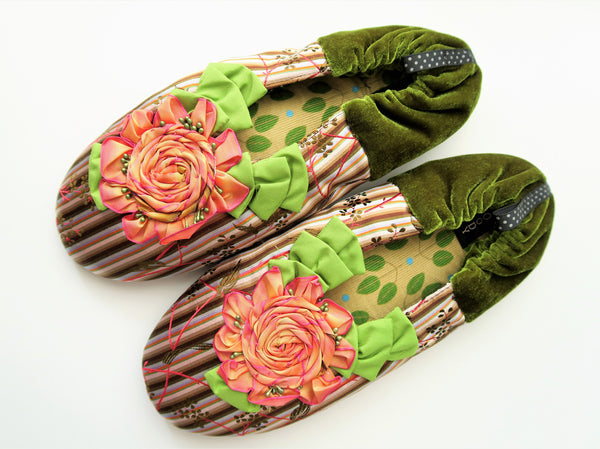 GOODY GOODY SLIPPERS: BLUSHING