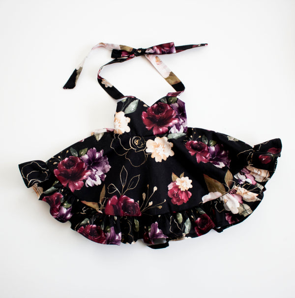 Black Holiday Flower Ruffled Sweetheart Dress ©