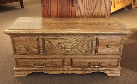 BB-506-NC Cedar Chest closed
