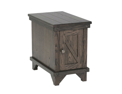 FA-Cedar Lakes Chairside Table with 1 Door Clearance