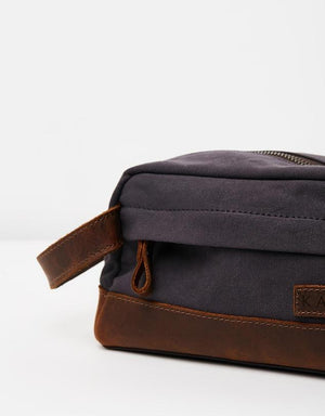 The Huntsman Wash & Travel Bag - Navy Blue & Leather