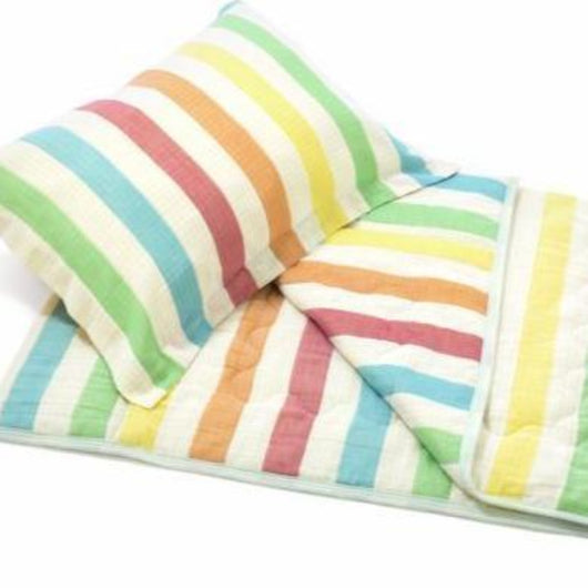 Kids' Quilt plus Pillow Sham Set - Relaxed Rainbow Stripe