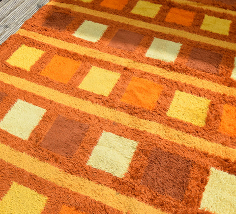 Vintage 1970s Shag Pile Rug - Orange Shades - Large