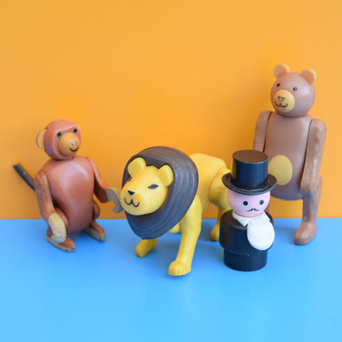 Vintage 1970s kitsch Plastic Fisher Price Zoo Animals / Ringmaster