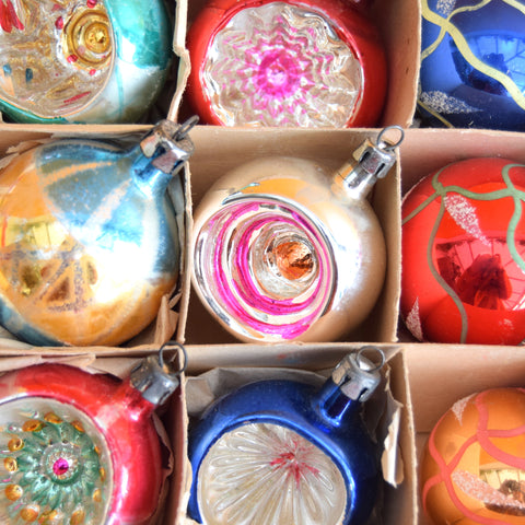Vintage 1950s Hand Painted / Concave Glass Christmas Baubles - Mixed (Boxed)