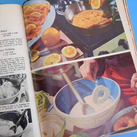 Vintage 1950s The Book Of Good Housekeeping / Cookery Compendium