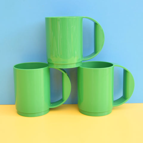 Vintage 1980s Dutch Plastic Cups / Mugs - Green x3