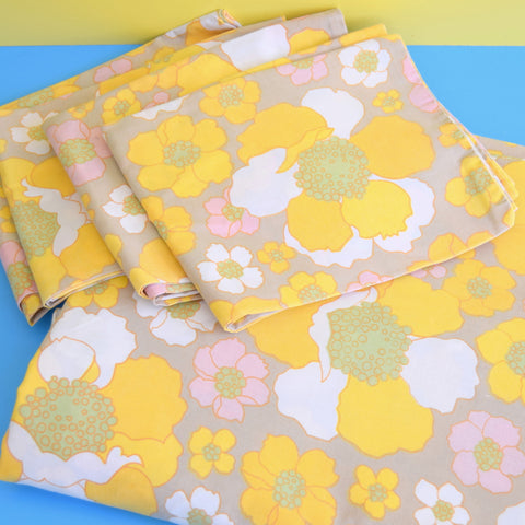 Vintage 1960s Double Duvet & Pillow Cases - Bold Flower Power - Yellow & Grey