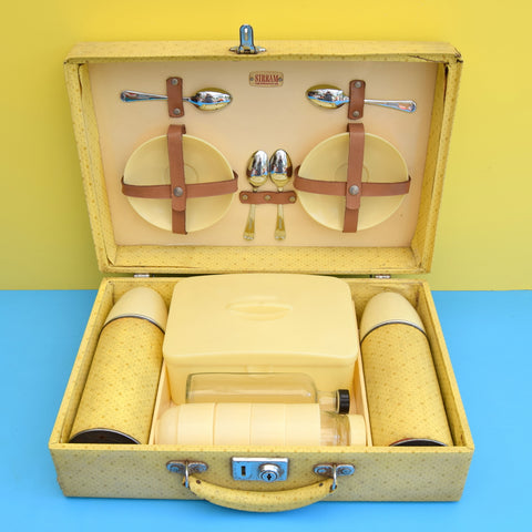 Vintage 1950s Sirram Picnic Set For 4 - Yellow Stars