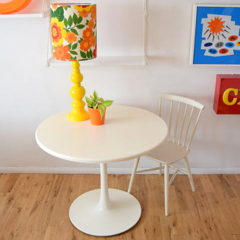 Vintage 1960s Tulip Based Fibreglass Dining Table - White