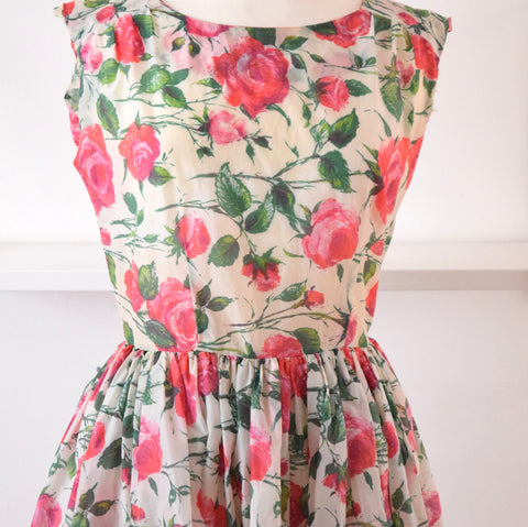 Vintage 1950s Pretty Fit & Flare Dress - Pink Roses size 12 ish