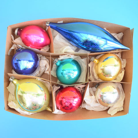 Vintage 1950s Pretty Plain Coloured Glass Christmas Baubles / Decorations - Pink, Lime, Gold, Blue - Boxed