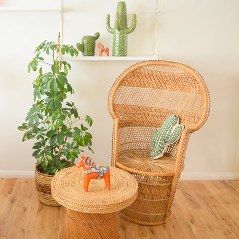 Vintage 1970s Wicker Ladies Peacock Chair - Natural
