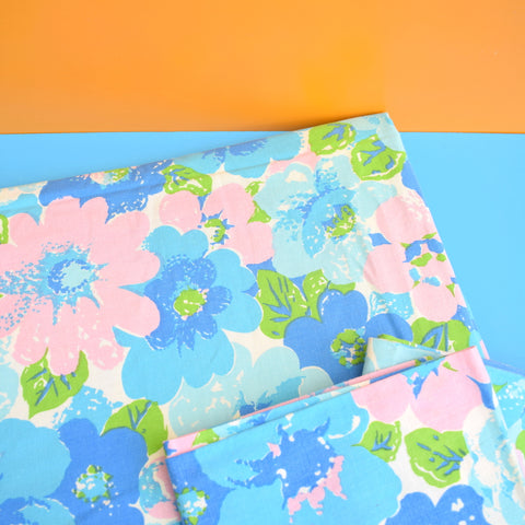 Vintage 1960s Twin Sheet & Pillowcases - Flower Power - Blue