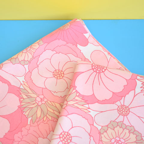 Vintage 1960s Pillow Cases (Pair) - Flower Power Cotton - Pink