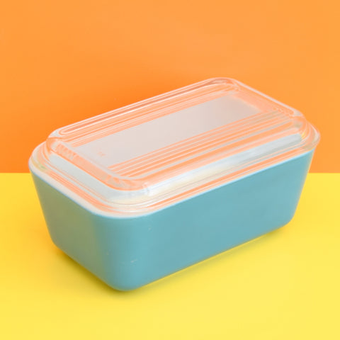 Vintage Pyrex Medium Fridge Box / Space Saver / Butter Dish - Turquoise