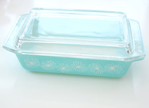 Vintage 1960s Pyrex Daisy Deep Space Saver Dish - Mint / Turquoise Blue