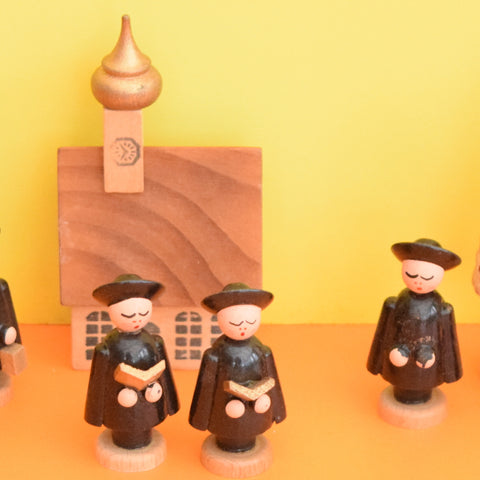 Vintage Erzgebirge German Wooden Carol Singers / Buildings / Trees