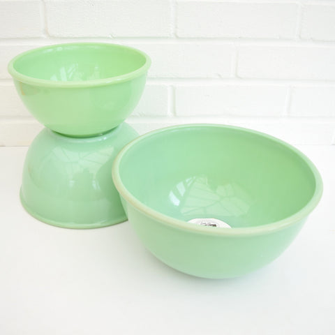 American Fire King Jadeite Set of Glass Nesting Bowl - Jade Green