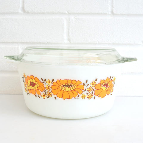 Pyrex Large Round Casserole With Lid - Orange Flower Power Pattern