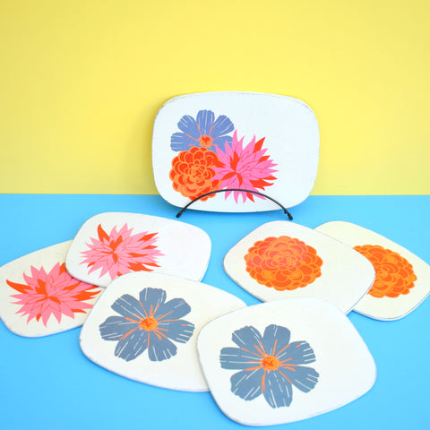 Vintage 1970s Metal Placemat Set of 6 & Pan Stands - Flower Power - Used
