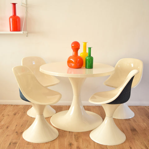 Vintage 1960s Fibreglass Dining Table and Four Chairs