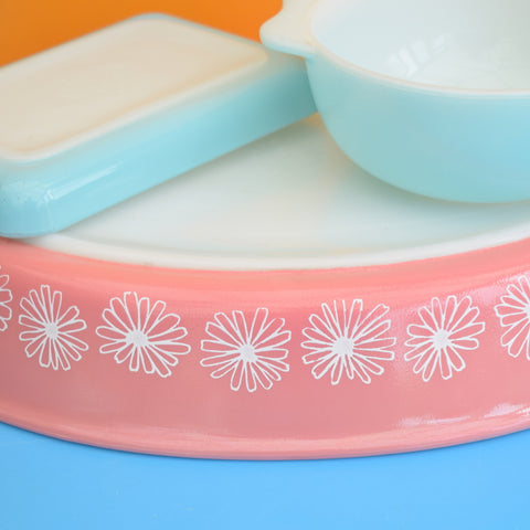 Vintage 1950s Pyrex Glass - Pink Daisy / Turquoise Bits