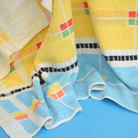 Vintage 1950s Cotton Bath Towel - Checks / Stripes