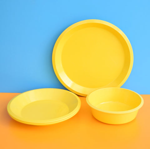 Vintage 1970s Italian & English Melamine Plastic Plates & Bowls - Bright Yellow