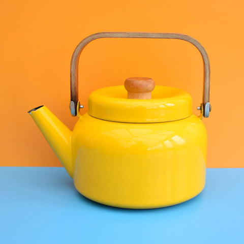 Vintage 1960s Enamel Kettle -  Wooden Handle - Eggy Yellow
